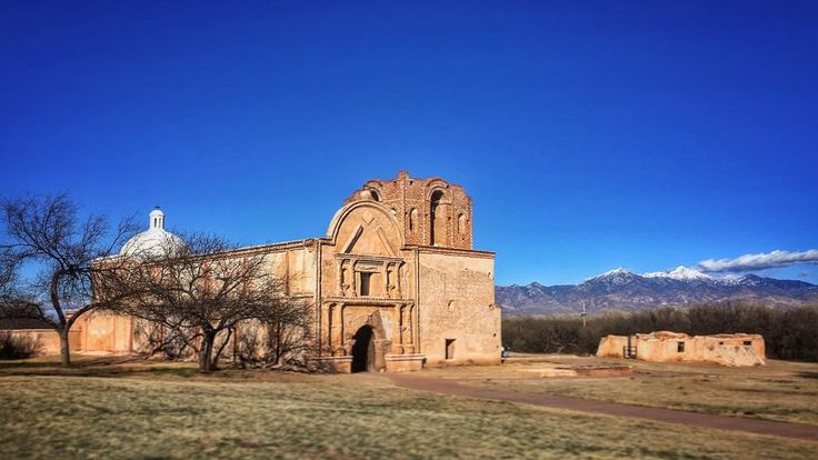 ...a color view of Mission San José de Tumacácori w/ the freshly snowcapped Santa Rita Mountains in the background... #instagramAZ #9x16 #adobe #spanishmission #architecture #jj_architecture #jj_mobilephotography #senseofplace #nothingisordinary #mobiography #iphone6s #justgoshoot #thegreatsw #traveldeeper #arizonacollective #visitArizona #아리조나 #tumacacori @tumacacorinps #BajaArizona #az365 #SantaCruzCounty by allophile_