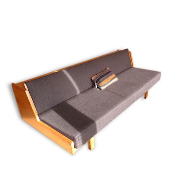 Day bed refait à neuf – Console amovible permettant un couchage 1 place 200×90 Design : Hans Wegner (Danemark)