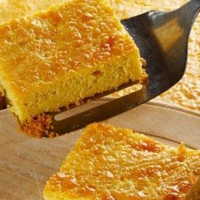 Egipćanski recept za kukuruzanu pitu. Izvrsnog je okusa  i uz komadiće ananasa iz limenke.