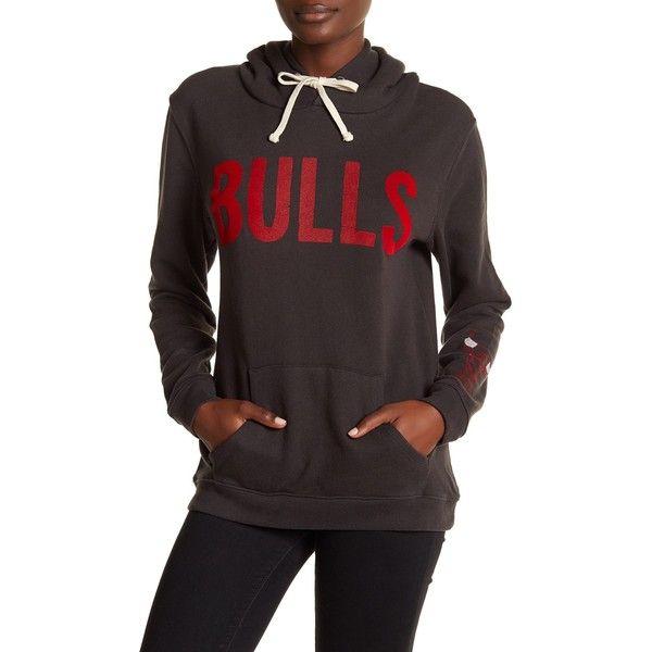 JUNKFOOD Chicago Bulls Hoodie ($35) ❤ liked on Polyvore featuring tops, hoodies, bkwa, chicago bulls hoodies, hooded pullover, red long sleeve top, print hoodie and print hoodies