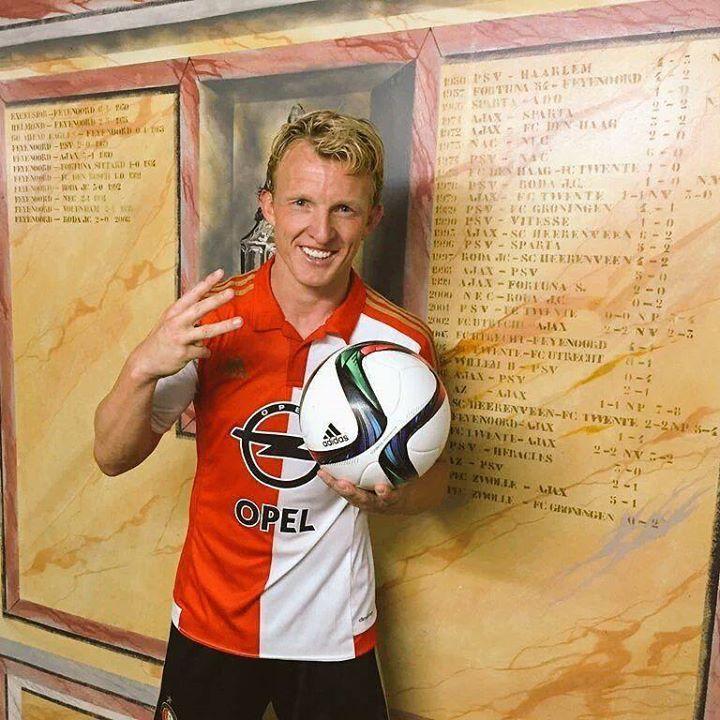 Decían que iba al Feyenoord a retirarse lleva 2 hattricks consecutivos con el Feyenoord. Hoy hizo 3 hizo vs AZ. Dirk Kuyt.