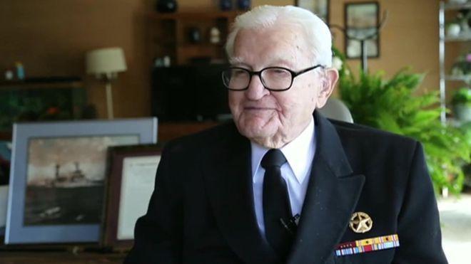 """""""Los soldados ardían como antorchas humanas"""": el testimonio de un sobreviviente de Pearl Harbor en el 75º aniversario del bombardeo.- leer mas"""