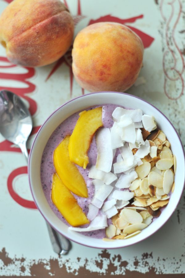 Barackos-áfonyás laktózmentes reggeli Vitamindús laktózmentes reggeli sok gyümölccsel, laktózmentes joghurttal, hogy a laktózérzékenyek is fogyaszthassák. Használjuk ki a nyár végi gyümölcsöket!