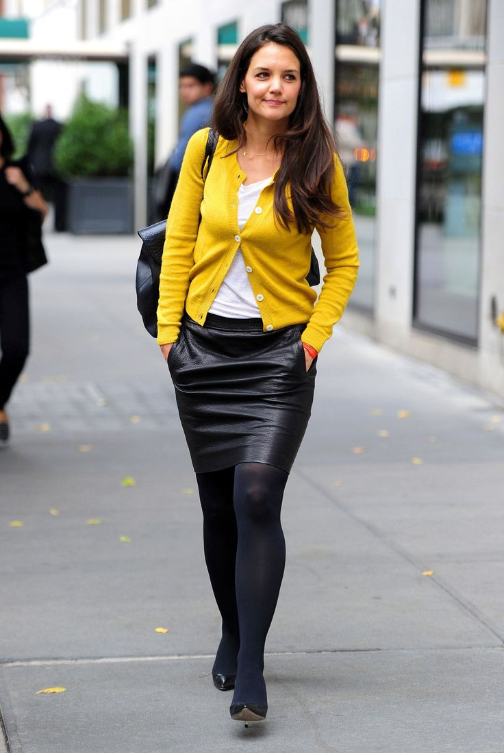 Katie Holmes out Opaque tights in New York, October 2 ...