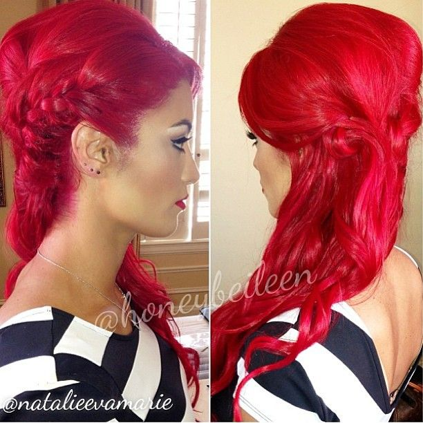 I love bright red hair!!! Maybe I'll be bold enough to do this!!