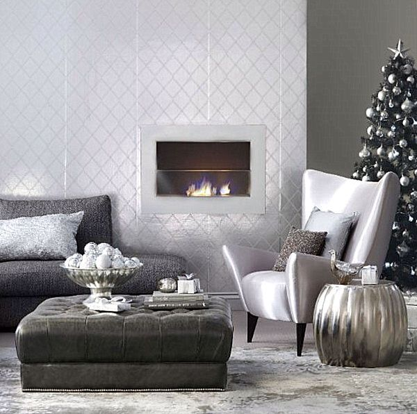 Gorgeous modern holiday decorLiving Rooms, Silver Christmas, Christmas Design, Christmas Decor Ideas, Room Decor Ideas, Modern Living Room, Christmas Decorating Ideas, Modern Christmas, Holiday Decor