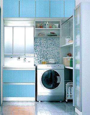 シェルフの下を空けておき、キャビネットを出し入れできるようにする0.75坪、1坪、1.25坪以上と、3種類の広さ別に、使いやすく機能的な洗面所を作るためのリフォームテクニックを紹介します。(3ページ目)