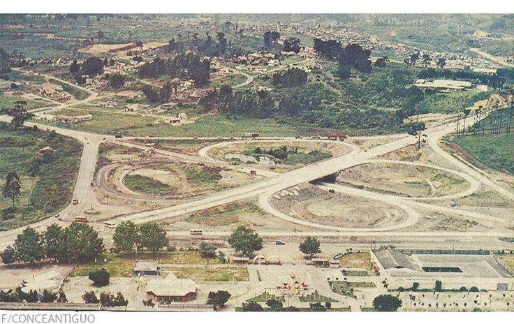 Trébol de la Autopista cruzando Av. Alessandri, 1987.