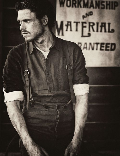 richard madden | bibbity bobbity boop! my king of the north<3