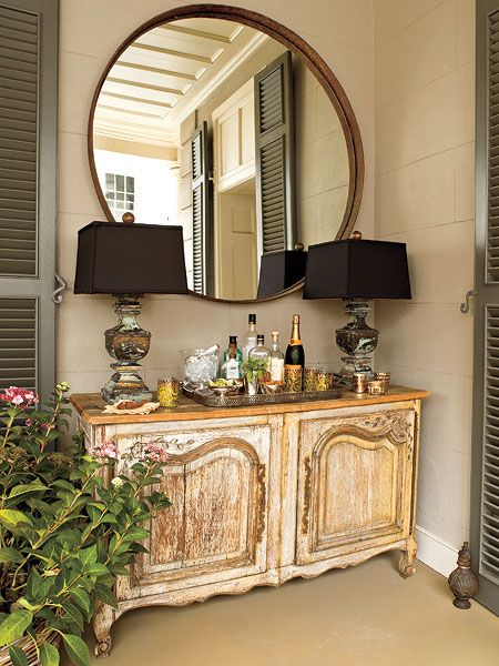 Love the lamps, round mirror, & furniture.....mirror would great over bedroom dresser | Home ...
