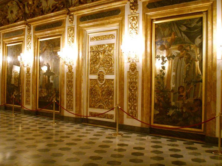 Palazzo Medici Riccardi, Galleria di Luca Giordano, specchi decorati