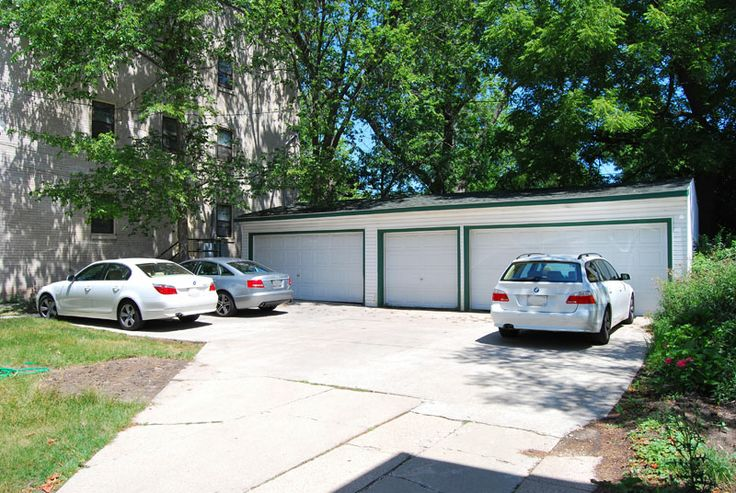 1000 images about shorewood 2013 facade award winner 4214 for Garage sprint auto stains