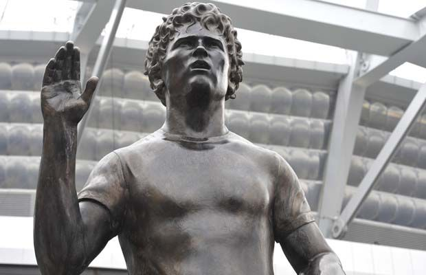 Terry Fox statues unveiled in Vancouver