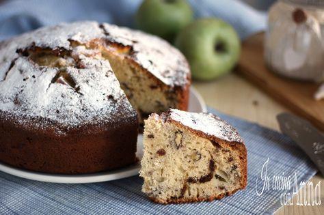 La torta di mele,noci e uvetta è un dolce semplice e goloso,soffice,profumato e buono buono che conquista al primo assaggio!