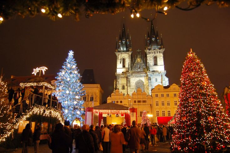 In the Christmas time there's a lot to discover in Prague. The Christmas markets are the main attraction but there's more! Here are 9 more ideas for you.