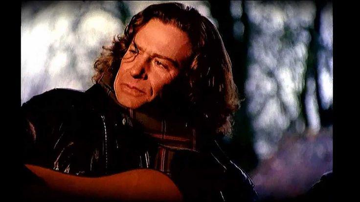 Over My Shoulder (1995) - Mike + the Mechanics - Voc. Paul Carrack http://youtu.be/tKiLGysBO7U