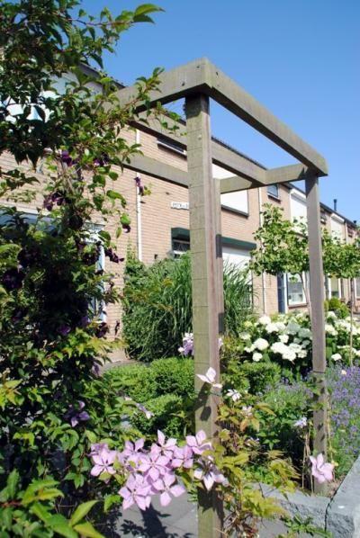 Hovenier in de Hoeksche Waard: Van der Waal Tuinen, voor tuinontwerpen, tuinaanleg, tuinonderhoud en tuinadvies