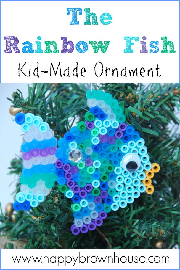 The Rainbow Fish inspired Kid-made ornament. Quick and Easy for kids to make as gifts for friends. #kidmadeornaments #kidsmadechristmas