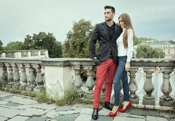 Coś z naszej starej kolekcji, lecz dalej na topie. Niesamowita i praktyczna, czarna marynarka z czerwonymi wstawkami. Wszyty zamek kompletnie zmieni jej styl. Praktyczność połączona z klasą.  #moda #męska #jfryderyk #j #fryderyk #marynarka #jesien #2015 #polska #marka #men #fashion #mensfashion #jacket #autumn #polish #brand