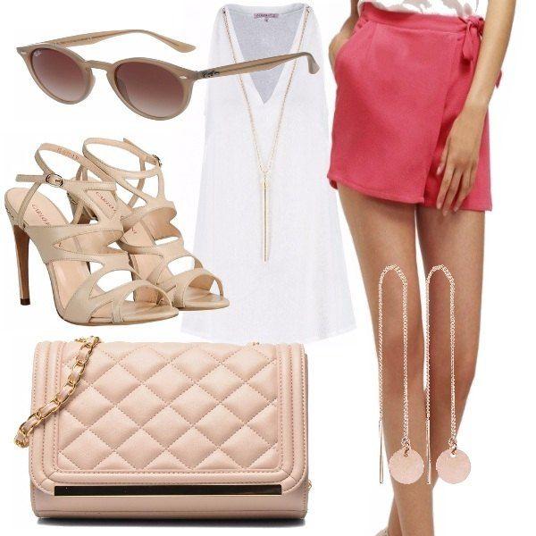 Bellissimo outfit composto da un elegantissimo short coloratissimo a cui ho abbinato una blusa bianca scollata con collana, scarpa col tacco, accessori rosa chiaro che danno risalto all'outfit.