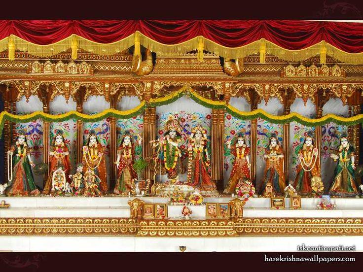 http://harekrishnawallpapers.com/sri-sri-radha-govinda-with-ashtasakhi-iskcon-tirupati-wallpaper-002/
