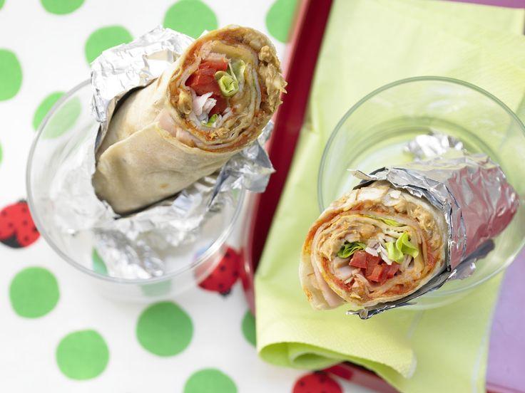 Ihre Kinder werden es lieben! Wrap mit Putenbrust und Erdnussbutter - Kinderfrühstück (7–14 Jahre) - smarter - Kalorien: 354 Kcal - Zeit: 20 Min. | eatsmarter.de