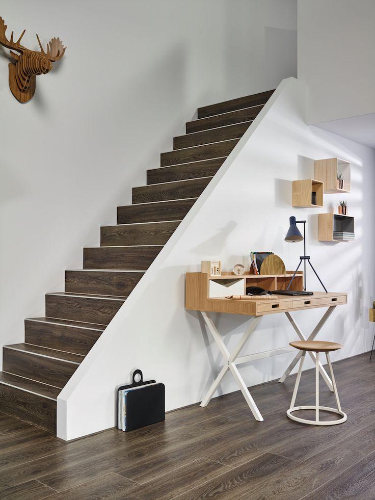 Warme vinyl vloer met eiken houtlook Moduleo Moods. Ook zeer geschikt om de trap mee te bekleden #interieur #vloer
