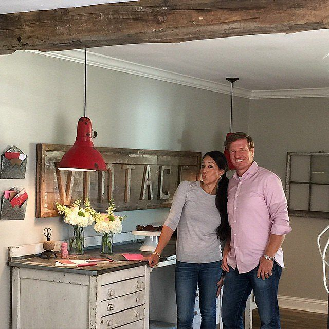 20 Vintage Decorating Ideas Inspired by Chip and Joanna Gaines