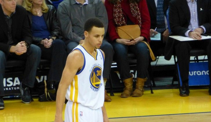 NBA 2K16 Shows Stephen Curry Chewing On Mouthguard During Free Throws  http://www.morningnewsusa.com/nba-2k16-shows-stephen-curry-chewing-mouthguard-free-throws-2331662.html