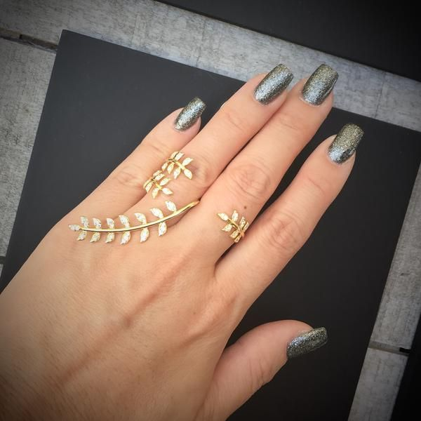 Golden Wreath Knuckle Ring