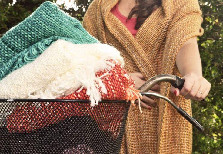 Chales artesanales tejidos en telar de peine.  Chinacachilo tejidos