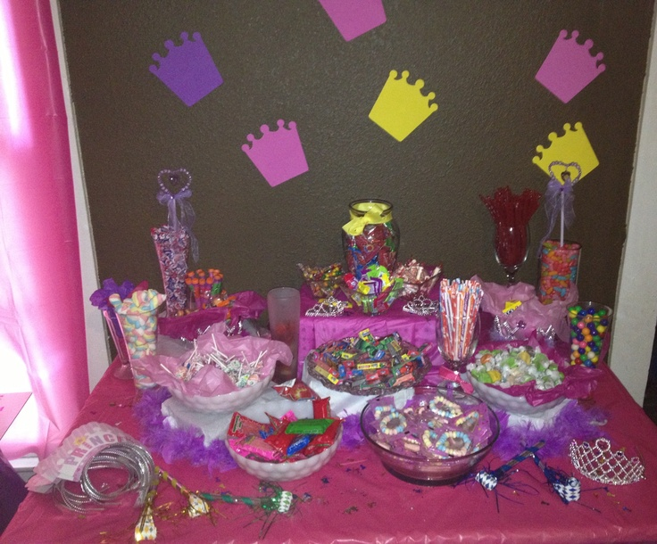 Candy table for princess party princess party - Table princesse disney ...