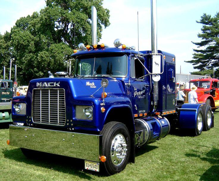 Mack R truck #heavyhauling