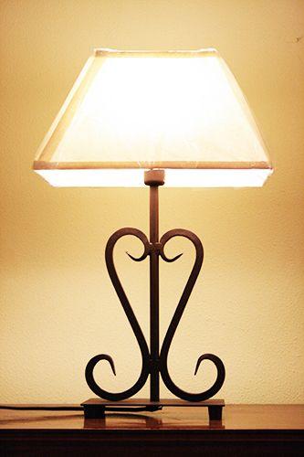 Lampada riccioli. H.cm.46. http://www.pisanogenova.it/catalogo/107-lampada-riccioli