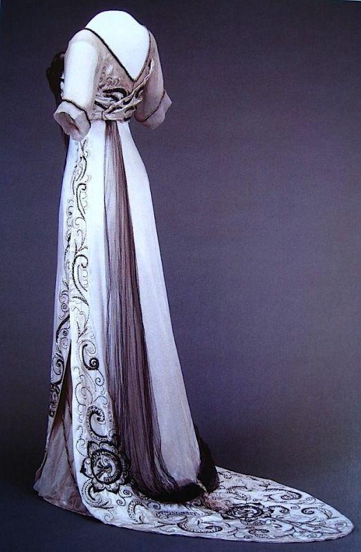 Queen Maude: Evening dress, circa 1910-13.