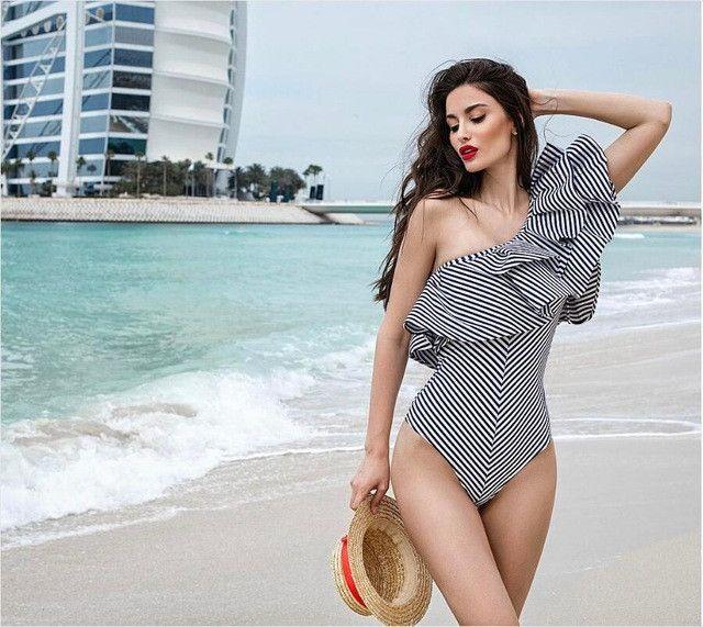 Adogirl One Shoulder Ruffles Fitness Bodysuit Women Clothing 2017 Fashion Sexy Hot Slim Bodycon Jumpsuit Ladies Bodysuits Romper
