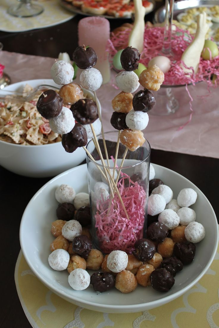 Donut hole bouquet. This is an absolutely perfect brunch. Menu inspiration!