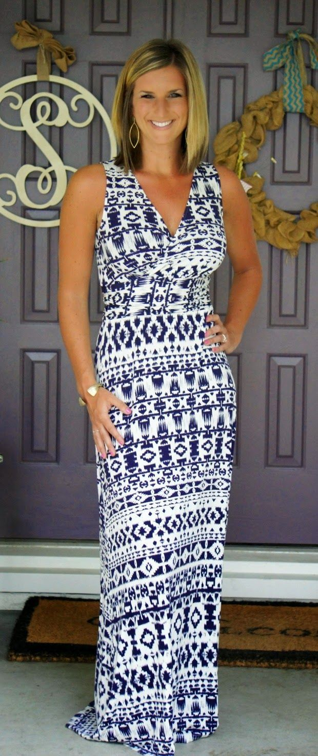 Summer style is easy when you've got a great maxi dress in your wardrobe!
