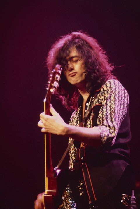 Jimmy Page performing at MSG on the 197ze5 Led Zeppelin tour.