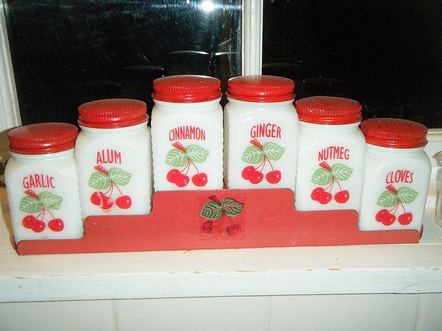 Tipp City Cherries spice rackVintage Kitchens, Cities Cherries, Cities Tipps, Spices Racks, Tipps Cities, Cherries Spices, Spice Racks, Tipps Citycherri, Citycherri Spices
