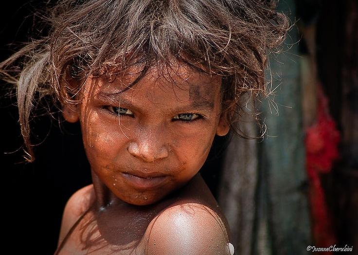 Sguardo dalla Slum by Ivonne - iv.cherru @ http://adoroletuefoto.it