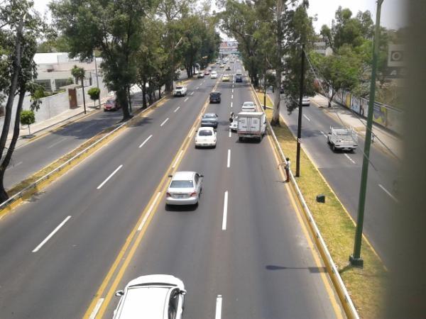 Percance vial en Av. Lopez Mateos cerca de Conchitas de Sur a Norte  23/05/2012
