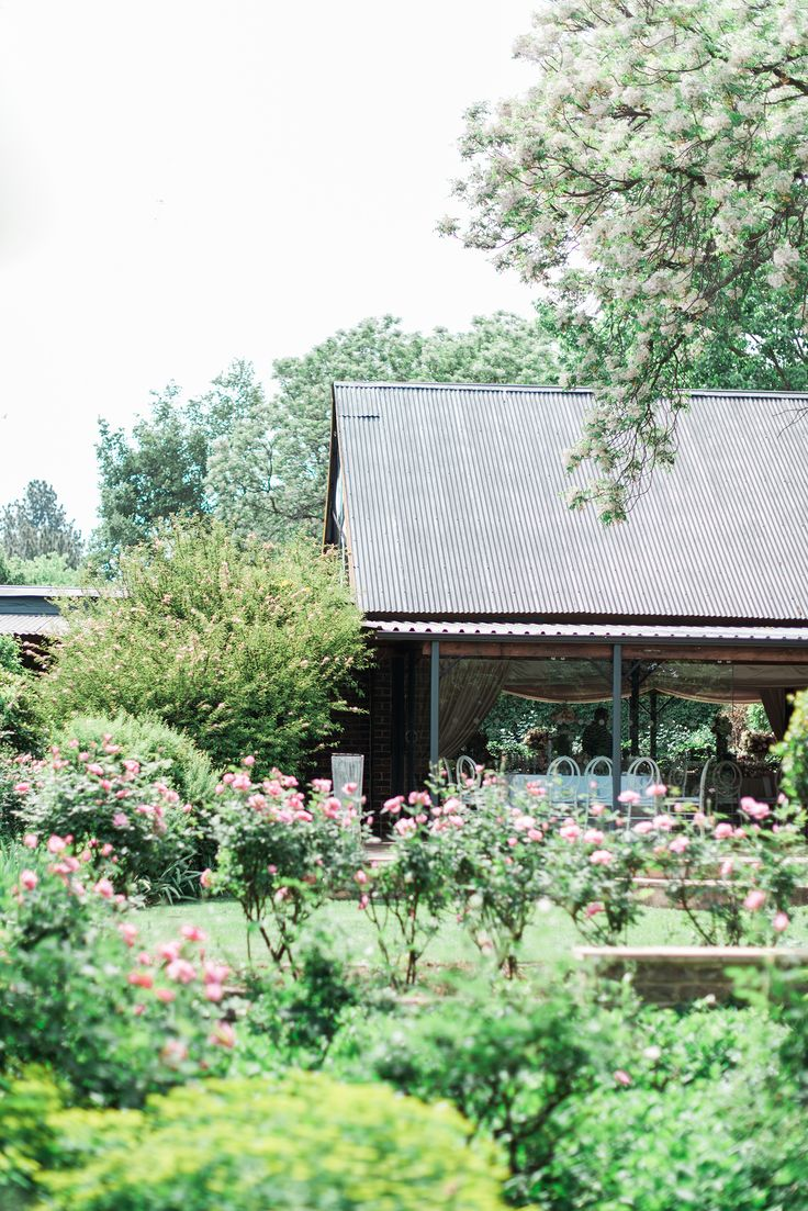 Summerhouse Garden Oakfield Farm
