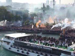 Beşiktaş taraftarı şampiyonluk için donanma kurdu