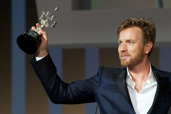 'I love her with all my heart': Ewan McGregor pays tribute to wife Eve - Picture 1