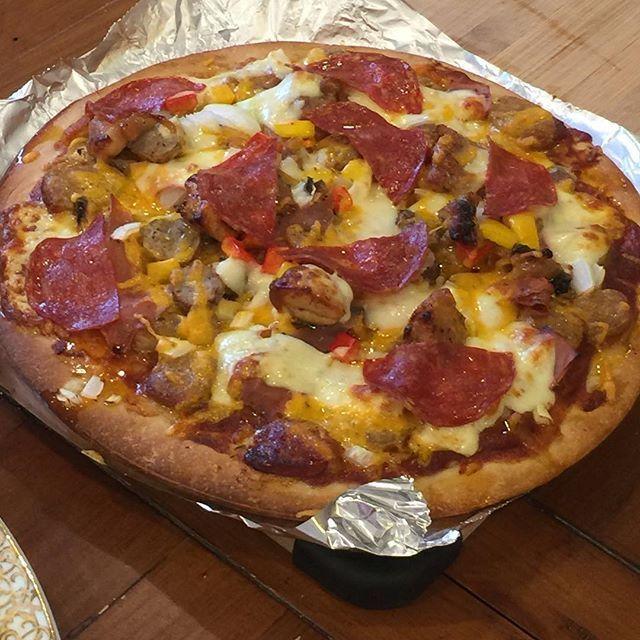 手作りピザ@ホームパーティー  #ピザ #ホームパーティー #肉 #チーズ