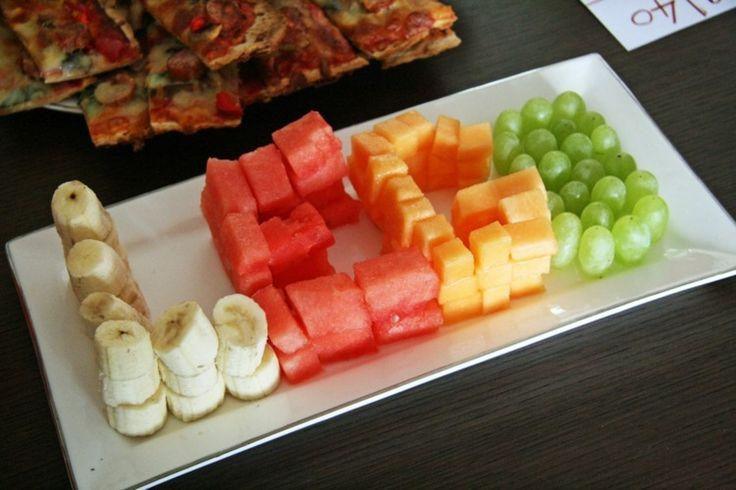 Obstteller zum LEGO-Kindergeburtstag