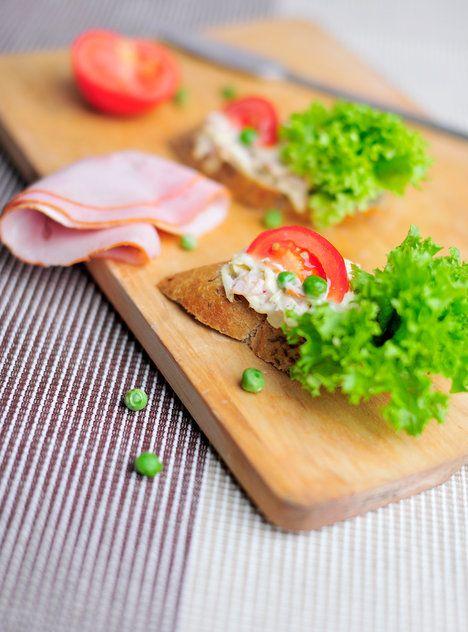 Fešák se salátem a rajčetem; Greta Blumajerová