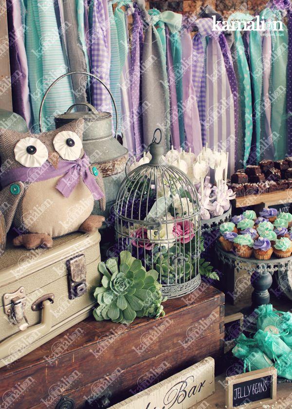 www.kamalion.com.mx - Mesa de Dulces / Candy Bar / Postres / Baby Shower / Menta & Morado / Mint & Purple / Rustic Decor / Dulces / Vintage / Madera / Lecheros / Maletas / Búhos / Owls / Clock / Jaula / Cupcakes.