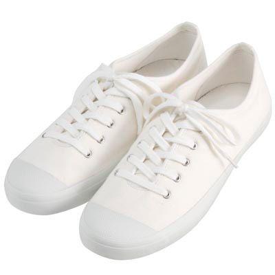 無印良品 綿洗いざらしスニーカー/  毎年洗いざらしスニーカーをざっくり履きすぎてすぐにボロボロになります^^;